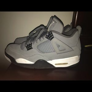Jordan Retro 4 Cool Grey